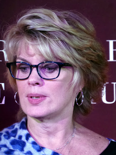 5 Anne Finucane, Global Chief Strategy and Marketing Officer, Bank of America. Anne chairs the Bank of America Charitable Foundation, overseeing a 10-year, ... - 20140930_200707
