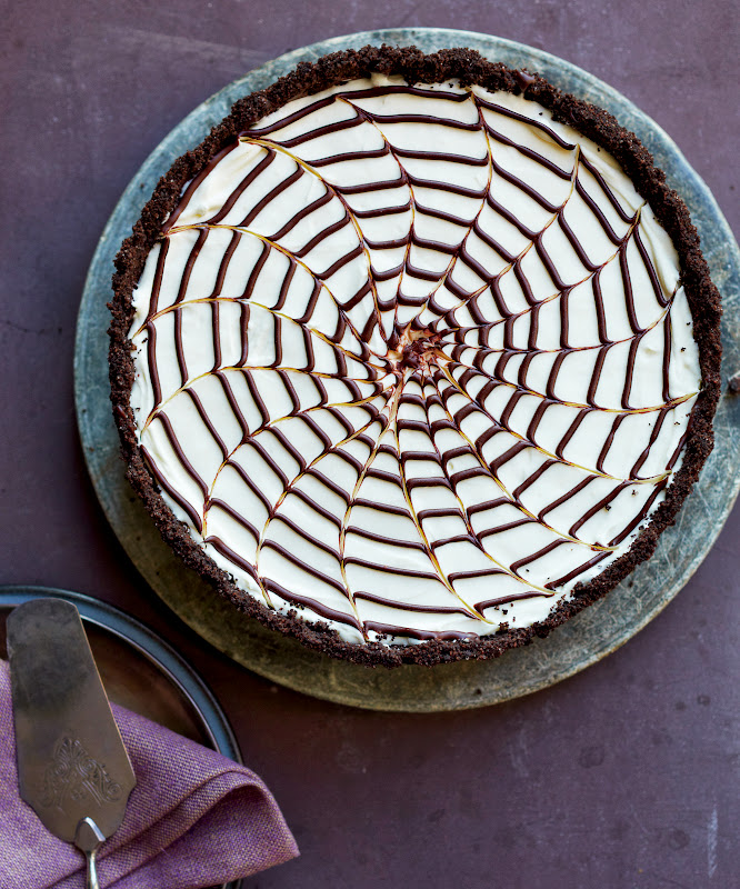 No-Bake Spiderweb Cheesecake - This Halloweeen-worthy dessert is ...