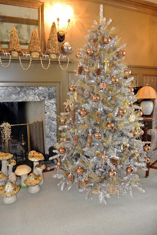 The Martha Stewart Blog : Blog Archive : Holiday Decorating at the Farm