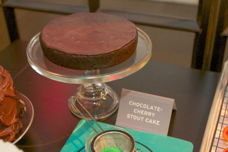 Decorate Bundt Cake W Chocolate Slices